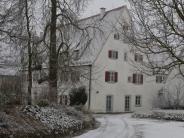 Industrieschnee: Nicht nur das Rosenschloss in Gundelfingen war weiß gezuckert
