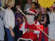 Adventsfeier: Der Weihnachtsmann macht Urlaub in Zusamaltheim