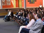 Sozialkunde in Wertingen: Wenn ein Politiker Schülern die Welt erklärt