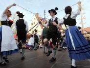 Landkreis Dillingen: Tanzend, liebend und lebendig in den Mai