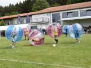 """Spaß: Wer hat Lust auf """"Bubble Football""""?"""