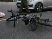 Buttenwiesen: Mann findet gestürzten Fahrradfahrer
