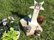 Gedenkstein zerstört: Die getrübte Erinnerung an die Tochter