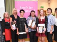 Abschluss in Gottmannshofen gefeiert: Wie Expertinnen ihre Lebens- und Alltagskompetenz beweisen