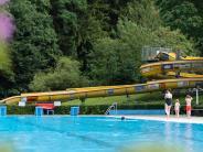 Lauingen: Wozu kauft man sich eine riesige Wasserrutsche?