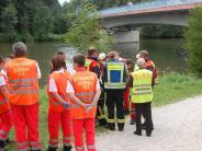 Großeinsatz: Auto versinkt bei Lauingen in der Donau