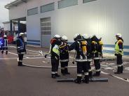 Donaualtheim/Hausen: Feuerwehren üben den Ernstfall in Reifen-Firma