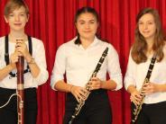 Musikschule: Violine, Gitarre, Harfe und Klavier beim Adventskonzert