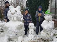 Überraschung in Zusamaltheim: Nachbarskinder bauen einen Schneehasen