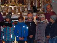 Kirche: Kommunionkinder gestalten den Advent
