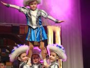 Teenie-Gardetreffen: Atemberaubende Tänze beim Teenie-Gardetreffen