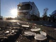 Landkreis Dillingen: Wer zahlt, wenn Eis vom Lkw aufs Auto fällt?