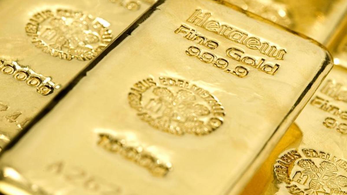Finanzmarkt fallende preise verliert gold seinen krisen glanz