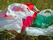 Teure Tüten: Viele Einzelhändler wollen ab 1. April Geld für Plastiktüten
