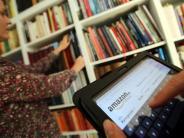 Internet: Handels-Manager rudert nach Äußerung über Amazon-Buchläden zurück