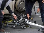 Kaufbeuren: Radfahrer wird von Lastwagen angefahren - 16-Jähriger stirbt