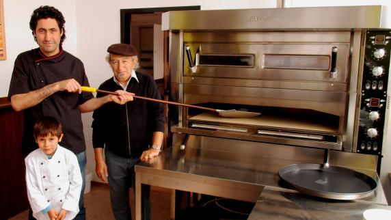 """Neueröffn. Pizzeria Oliveira Wertingen: Pizzeria """"Oliveira"""" eröffnet neu"""