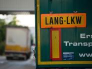 Verkehr: Einsatz von Lang-Lkw in Bundesländern weiter umstritten
