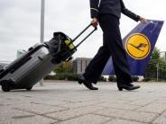 Tarife: Lufthansa-Flugbegleiter nehmen Tarif-Schlichtungsergebnis an