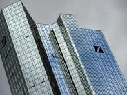 Konzern beruhigt Märkte: Deutsche-Bank-Aktie auf Rekordtief