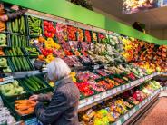 Einkaufen im Alltag: Supermärkte steigen in der Gunst der Verbraucher