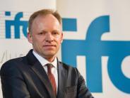 Fuest will Übergangsphase: Ifo-Chef warnt vor hartem Brexit