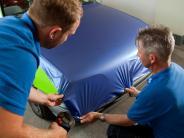 Auto folieren: Trend Autofolie: Wenn das Auto eine neue Haut bekommt