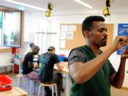 Ausnahmen: Flüchtlinge bekommen für Arbeit nicht immer Mindestlohn