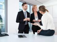 Vitamin B: Beim Netzwerken für den Job zählt Regelmäßigkeit