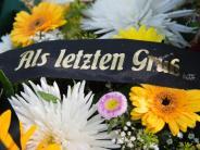 Vorsorge für Todesfall: Sarg oder Urne: Wünsche zur eigenen Bestattung festlegen