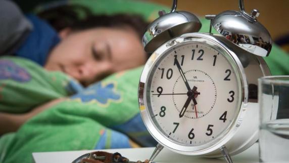: Bitte pünktlich: Bei ständiger Verspätung droht Kündigung