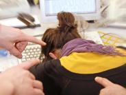 Ausgrenzung am Arbeitsplatz: Mobbing im Job: Wer ist besonders betroffen?
