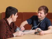 Lehrstellenoffensive: Nicht nur pflegen, sondern auch lachen