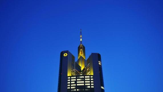 Commerzbank verdient zum Jahresauftakt überraschend mehr