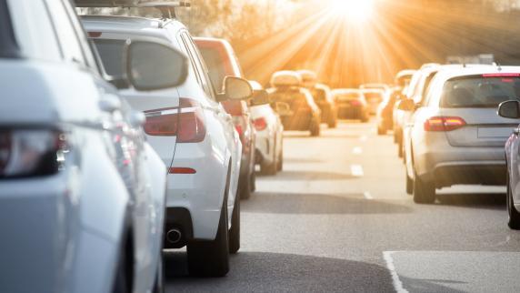 Auto aktuell: Auto & Verkehr: Sicher und stressfrei durch den Stau