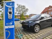 Verkauf läuft schleppend: E-Autos: SPDkritisiert Absage an Millionen-Ziel bis 2020