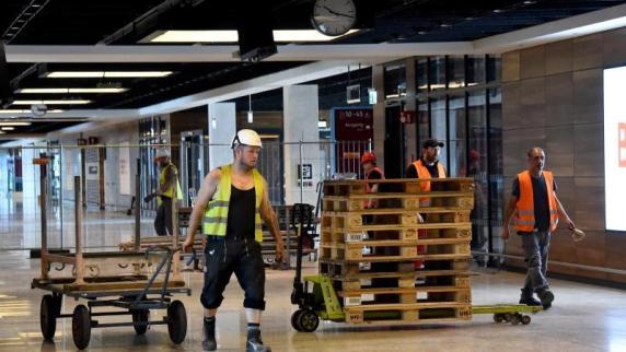 Hauptstadtflughafen : BER-Kontrolleure beraten über Baufortschritt und Finanzen