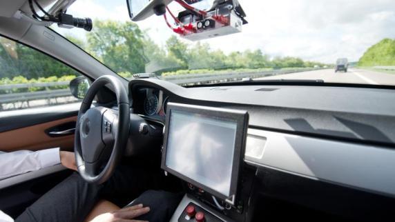 Versicherer: Weniger Unfälle, teurere Reparaturen bei autonomen Autos