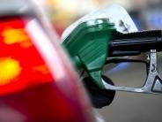 Benzin,Diesel,Heizöl: In Europa fallen die Benzinpreise