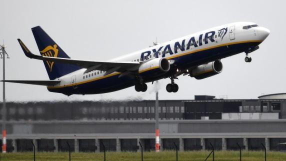 Ryanair reduziert Handgepäck und senkt Preise für Aufgabegepäck