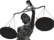 Gerichtsurteil: Kein Unfallversicherungsschutz bei Trunkenheitssturz