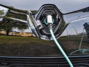 Jahrezehntelanger Prozess: VW:Schnelles Aus für Verbrennungsmotor ist unrealistisch