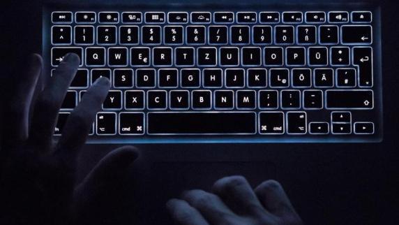 Hacker erbeuten Daten von Millionen Kunden
