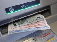 Auszahlungen an Fremdkunden: Kartellamt gegen Höchstgrenze für Gebühren am Geldautomaten