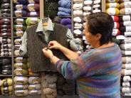 Fachhändler vor Ort - Oktober: Stricken ist billiger als eine Therapie!
