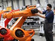 Wirtschaft: Augsburger Roboterhersteller Kuka investiert in China