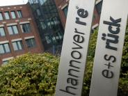 Höhere Schäden: Hannover Rück:Kfz-Versicherung wird 2018 teurer
